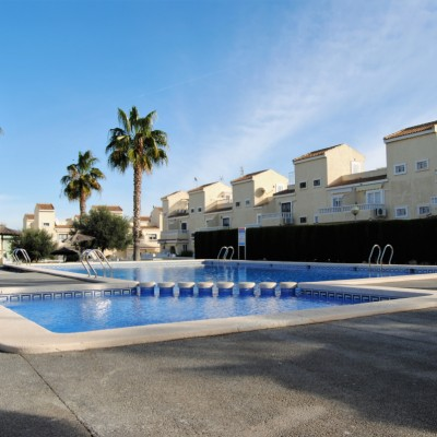Duplex for sale in school area and close to the beach in Gran Alacant