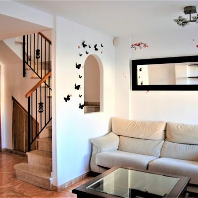 Dúplex en alquiler con 3 dormitorios y vistas al mar
