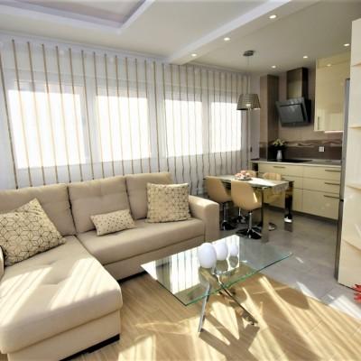 Apartamento reformado a 400 m del puerto en Torrevieja