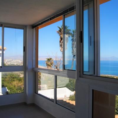 Chalet en 1ª línea con magníficas vistas al mar en Gran Alacant