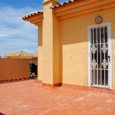 Bungalow in Gran Alacant in urb. with pool and parking