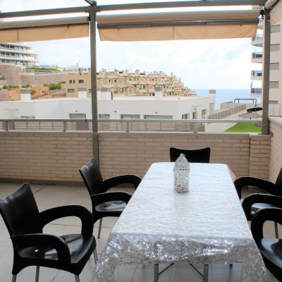 Apartment with sea views 100 meters from the beach