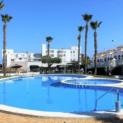 Planta baja con piscina y parking en Gran Alacant