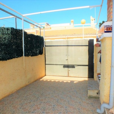 Villa on one floor in urb. with pool in Gran Alacant