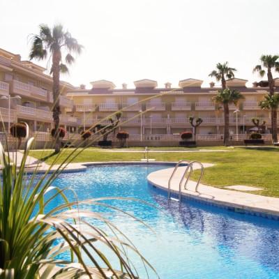 Apartamento con piscina en alquiler para L/T en Gran Alacant