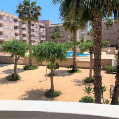 Apartamento con piscina a 300 m de la playa en Santa Pola