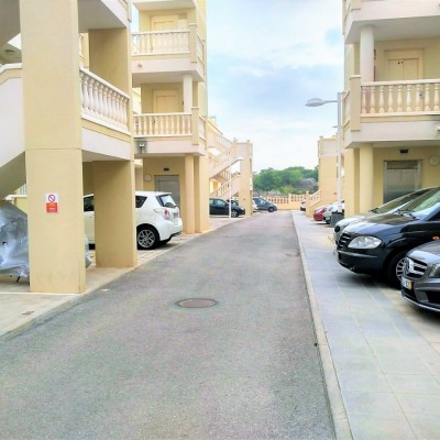 Spacious 2 bedroom apartment with seaview