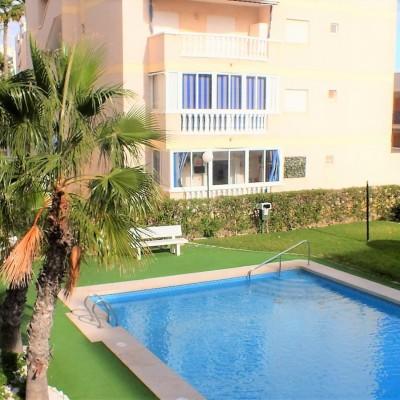 Apartamento esquina a 150 m de la playa en Arenales del Sol