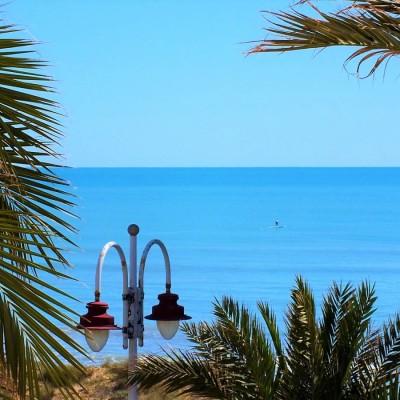 Apartamento a 50 m de la playa con vistas en Arenales del Sol
