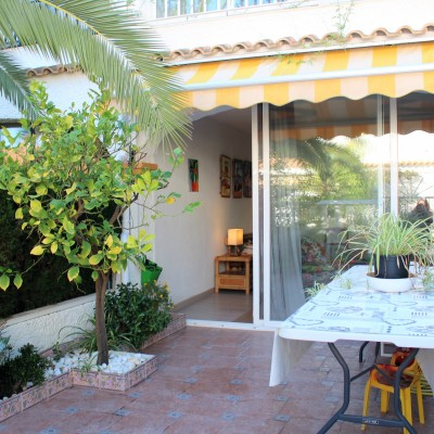 Large bungalow in exclusive urbanization in Gran Alacant