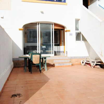 Bungalow planta baja sureste con piscina y parking en Gran Alacant