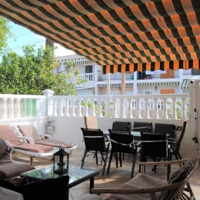 Bungalow esquina soleado con amplio jardín en Gran Alacant