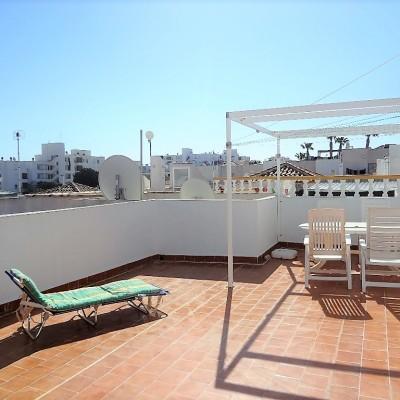 Apartamento en planta alta con vistas al mar en Gran Alacant