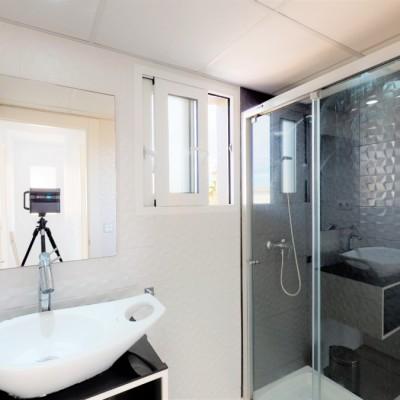Moderno chalet independiente con piscina en Gran Alacant